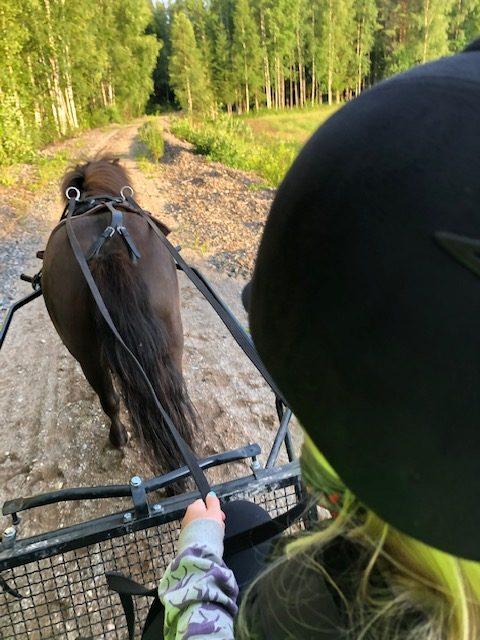 Budkavleritten 2020 - Isabelle Andersson tillsammans med Lukas