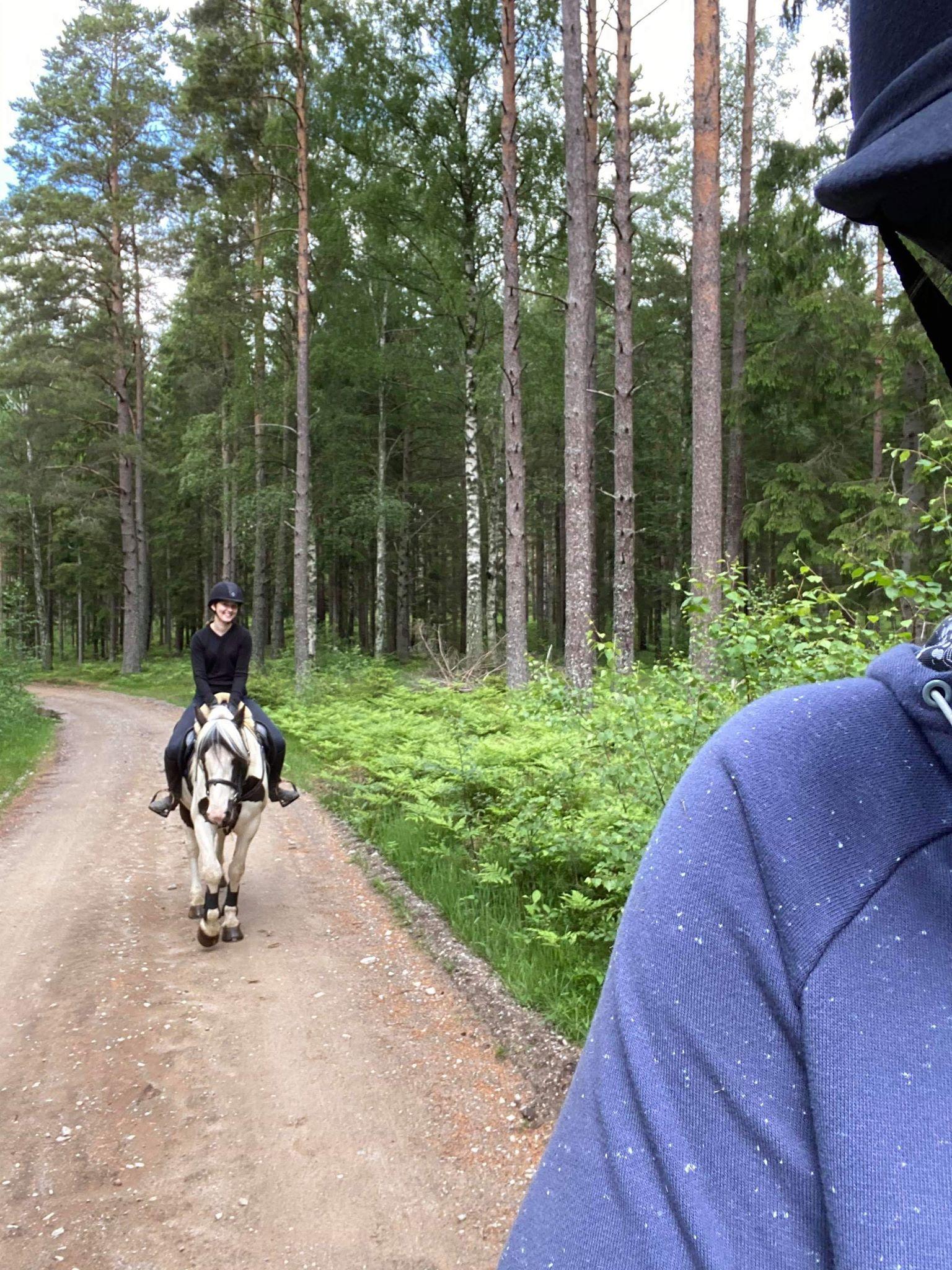 Budkavleritten 2020 - Sara Åkerlind på tur med sin vän Hanna Kempe